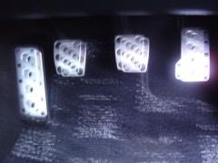 金属ペダル